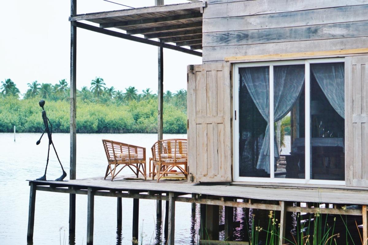 Nappyhaired Ouidah Lakehouse Vacation